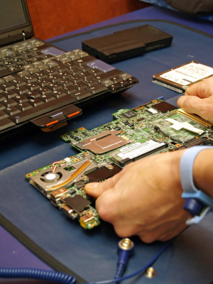 do Acer Laptop Repair Dubai